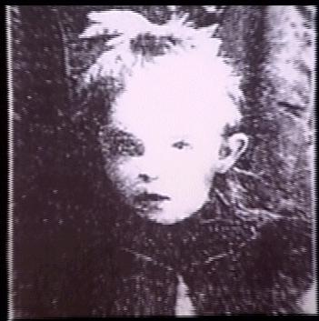 A menina Elsie Paroubek, que fora morta por estrangulamento